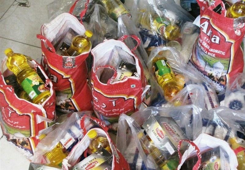 دانشجویان یزدی برای نیازمندان بسته های غذایی جمع آوری می کنند