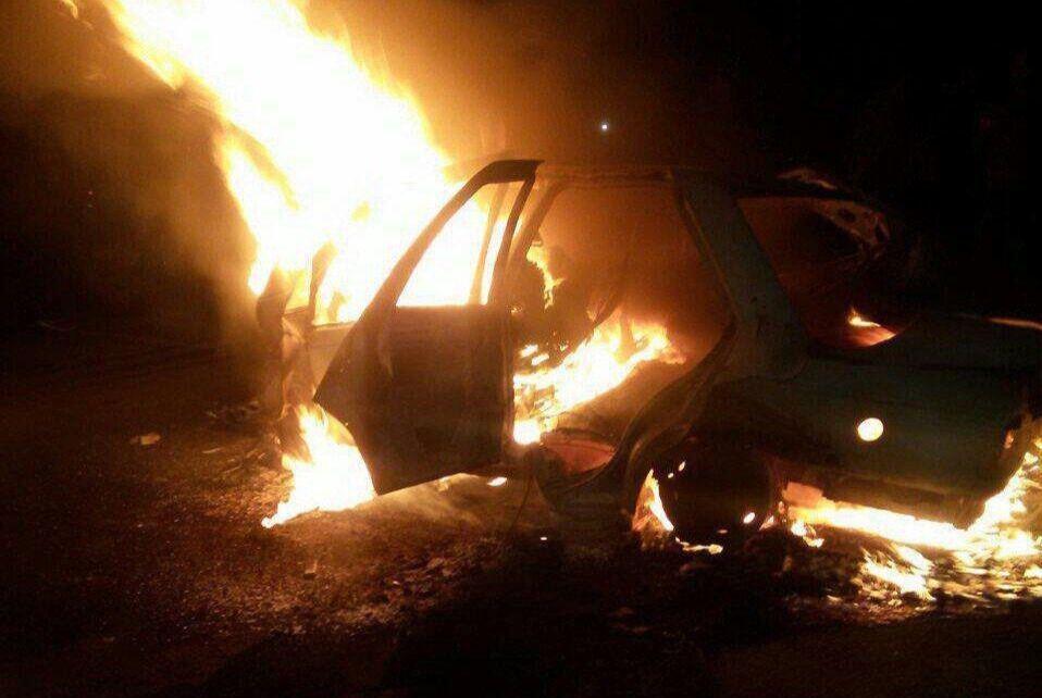 خبرنگاران خودرو پراید در آتش سوخت