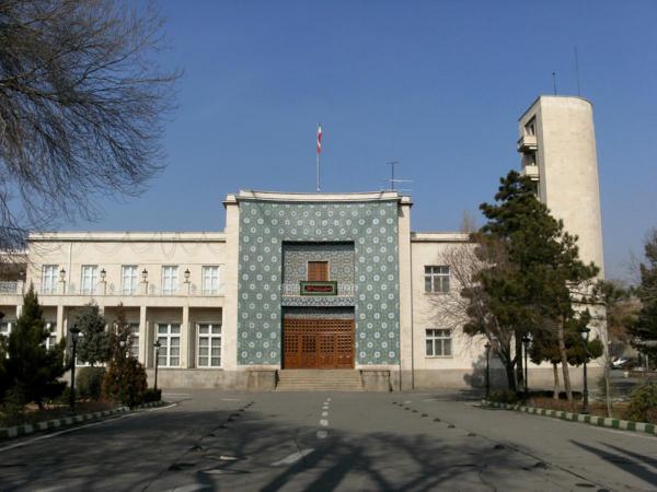 مسئولان غیر بومی به اسم استاندار آذربایجان شرقی انتخاب نشوند